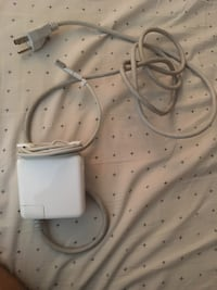 white Apple Lightning to USB cable Norfolk, 23505