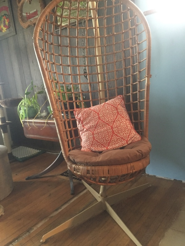 Awe Inspiring Vintage Wicker Egg Chair Stand Home Interior And Landscaping Synyenasavecom