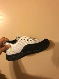 unpaired white and black Nike Air Force 1 shoe Corcoran, 93212