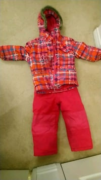 Pink coat and snow pants size 5.6.