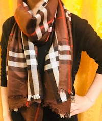 Burberry scarf in brown check  3153 km