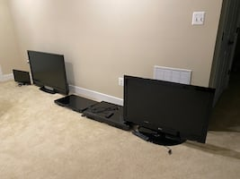 3 LCD TVs and 2 LED Smart TVs (no stands)