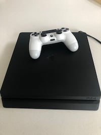 PS4 slim like new Maple Ridge, V2W 0H8