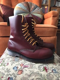 Dr Martens Red M7 W9 like new Calgary, T2A