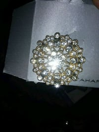 gold-colored and diamond studded ring Paramount, 90723