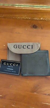 Used GUCCI wallet  Annandale, 22003