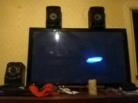 Wall mount, stereo all samsung like new with extra Bakersfield, 93312