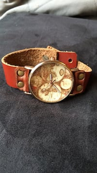 Round gold analog atlas watch with red leather strap Laurel, 20707
