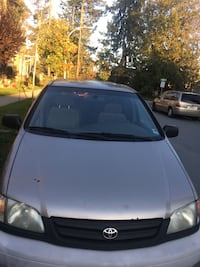 Toyota - Sienna OBO Open to trades Burnaby