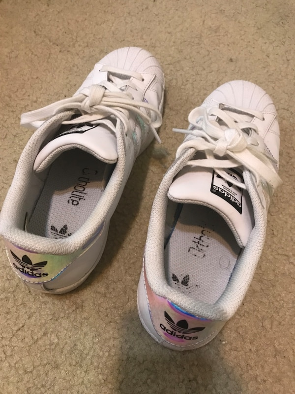 b5b3556aa Used Adidas Superstar Size 8 Women s for sale in Duluth - letgo