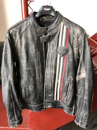 Triumph Leather Motorcycle Jacket 38 km