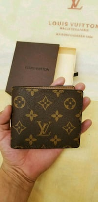 black and brown Louis Vuitton leather wallet Fresno, 93706