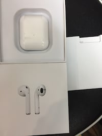 AirPods with Charging Case Mississauga, L4T 0B5