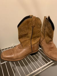 Cowboy boots Mansfield, 44907