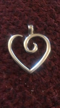 silver and black heart pendant Louisville, 40212