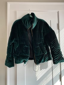 Green velvet puff jacket