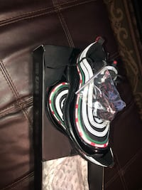 Undefeated 97s Size 9 New 38 km