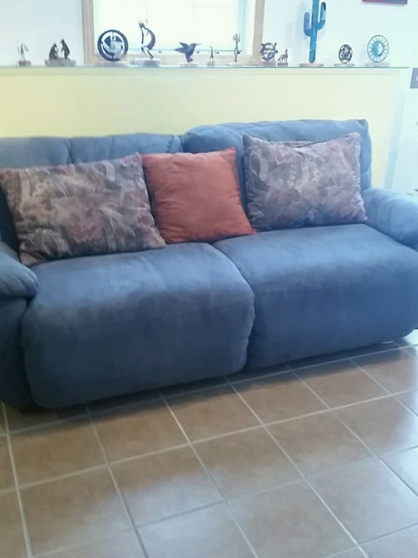 Used Blue 2 Seat Double Reclining Sofa For Sale In Davenport Letgo