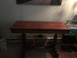 Antique roller table