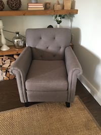 Gray accent chair Boca Raton, 33431