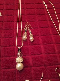 Christmas Snowman necklace an earring set Palm Coast, 32137
