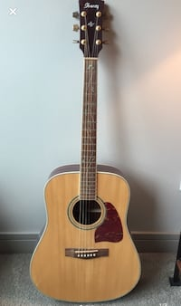 Acoustic Guitar with Floral Inlay Chicago, 60654