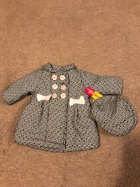 jacket with hat for baby 12 months Woodbridge, 22192