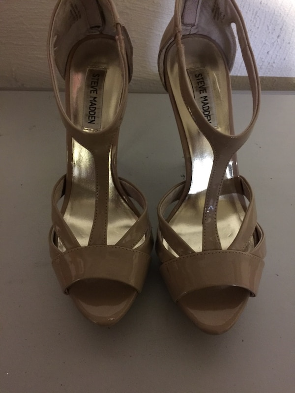 e3503620ee74 Used Nude Steve Madden leather patent open-toe heeled sandals for sale in  Forest Hills - letgo