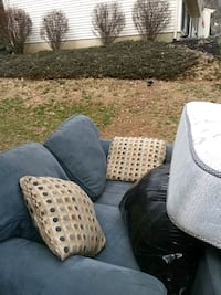 black and white polka dotted sofa Gaithersburg, 20882