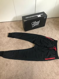 Black joggers track pants low inseam zipper on ankles breathable sides near pocket. Shorts #ThreadBeast is a subscription of clothing. These great finds were great, however a few didn't fit me. The box is normally $150 for a few items, so I am selling the Alameda, 94501