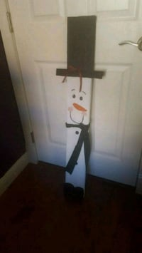 Snowman made from pallet wood