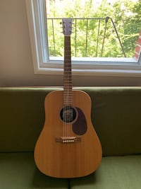 Martin & Co Guitar with case - like new  New York, 11216