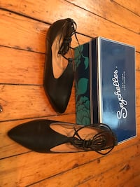 New black leather lace up flats  Toronto, M5R 2R8