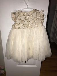 Perfect stress for the holidays - size 18 months - used once for photos Laval, H7W 2Z8