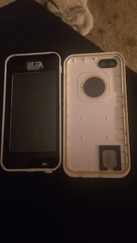 two white and black iPhone cases Marion, 46952