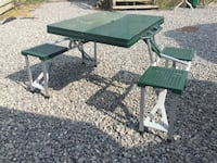 green 4 seat children folding picnic table  Welland, L3B 2Z7
