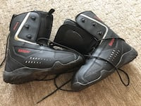 Pair of black snow boarding boots size 10 used twice  Surrey, V4P
