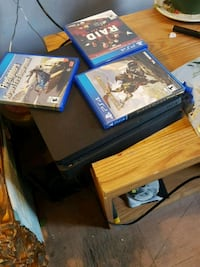 black Sony PS4 game console St. Catharines, L2R 5E8