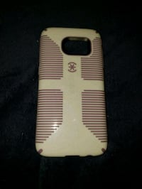 white and black Speck CandyShell Grip smartphone c Green Bay, 54304