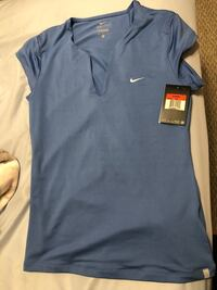Ladies Nike shirt with tags Jacksonville, 32225