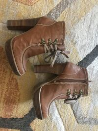 Brown Leather Heels  Winnipeg, R3J 0N7