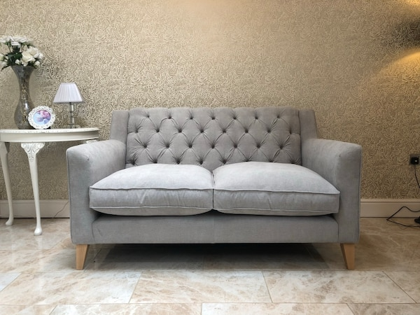 NEW Contemporary Chesterfield 2 Seater Sofa