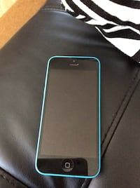 iPhone 5c blue locked rare opey blue colour dosent come with charger Vancouver, V5W 2A3