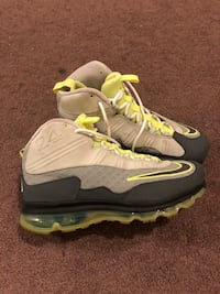 pair of gray-and-green Nike basketball shoes Pinole, 94564