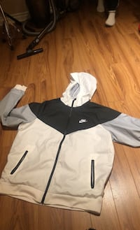 Nike windbreaker in excellent condition Vaughan, L6A 3M7
