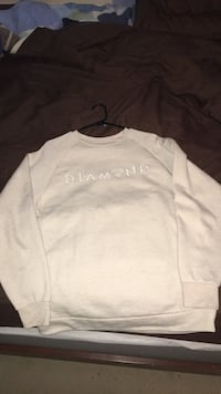 White diamond supply pullover sweatshirt, size large  Evans, 30809