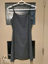 Summer dress size small Calgary, T2E 0B4