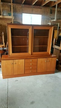teak display hutch  Brampton, L6X