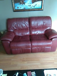 brown leather 3-seat recliner sofa Kamloops, V2B