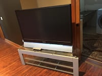 Panasonic tv with Glass stand South-West Oxford, N0J 7V6